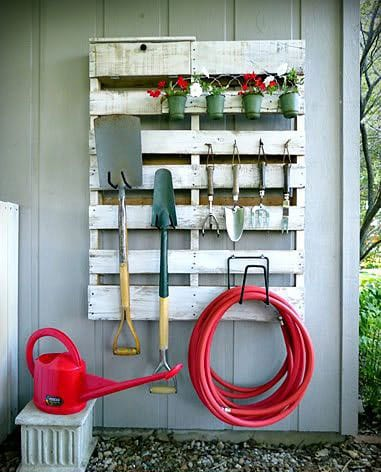 pallet storage for garden tools