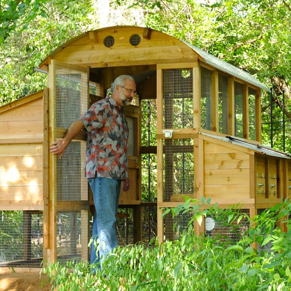 urban_coop_round_top_chicken_coop