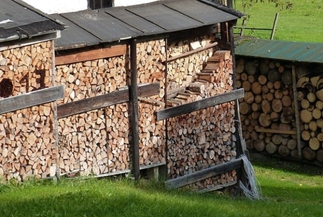 firewood_shed_in_all_sizes