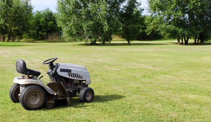 Best Garden Tractor - Tractor on a fresh cut lawn