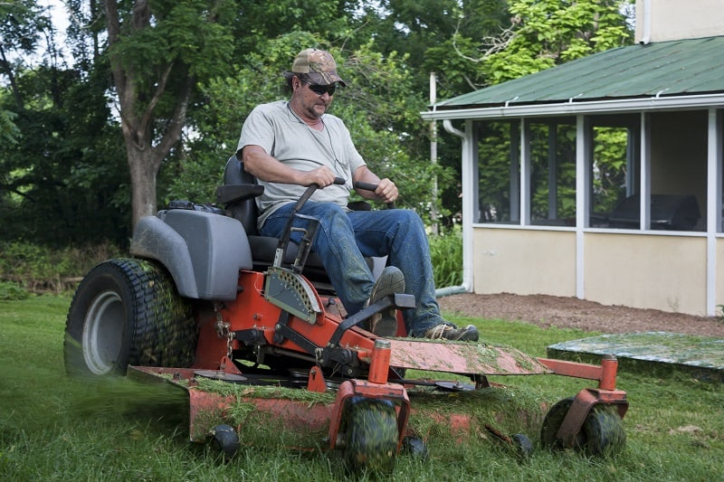 Zero Turn Radius Lawn Tractor in Action
