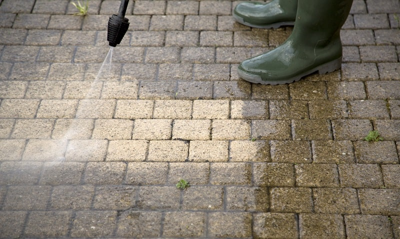 Curb Appeal Ideas - Clean your home with a pressure washer
