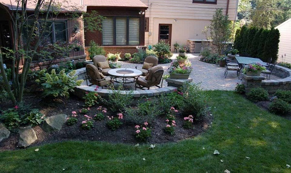 unique-backyard-patio-landscaping-ideas
