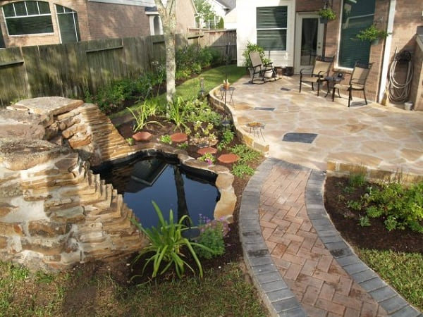 Small-Diy-Backyard-Landscaping-Ideas-On-A-Budget-634x476