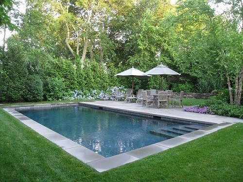 backyard-pool-landscaping-farmhouse-pool-landscaping