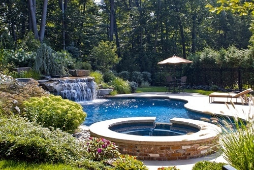 best-pool-landscaping-ideas