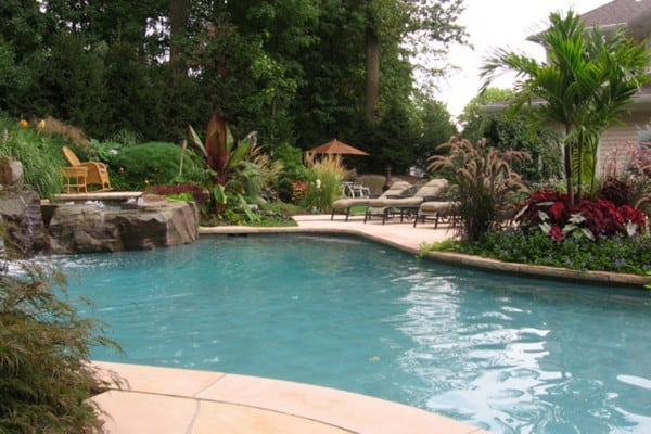 natural-pool-garden-design-600x400
