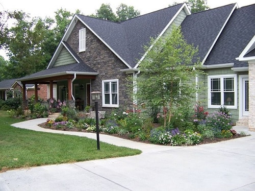 17 Landscaping Ideas for Ranch Style Homes - Zacs Garden on home landscape ideas, brick ranch home exterior ideas, cowboy landscape ideas, ranch house plans, ranch house exterior design, ranch house patios, bungalow landscape ideas, outhouse landscape ideas, chicken coop landscape ideas, ranch house lighting, cottage landscape ideas, lodge landscape ideas, ranch landscaping ideas, brick a frame house remodel ideas, ranch style home exterior makeover, ranch house garden, barn landscape ideas,