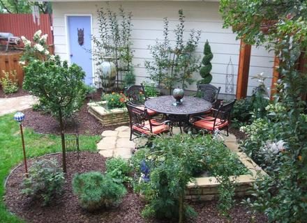 small-yards-big-designs-diy-landscaping-a-small-yard-s-26925e14654eb663