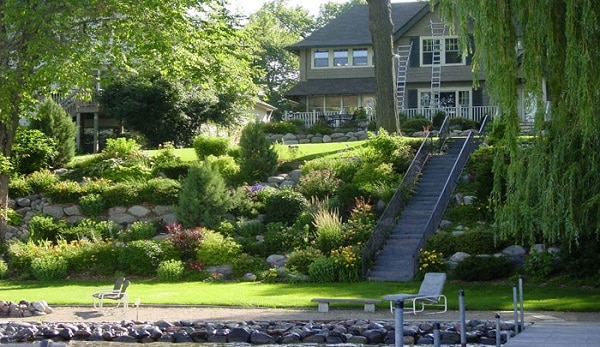21 Landscaping Ideas for Slopes - Slight, Moderate and Steep on Steep Sloping Garden Ideas id=41034