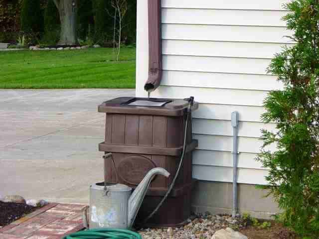 brown_rain_barrel