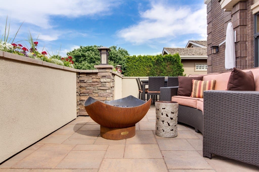 How to Buy the Right Patio Furniture - patio furniture