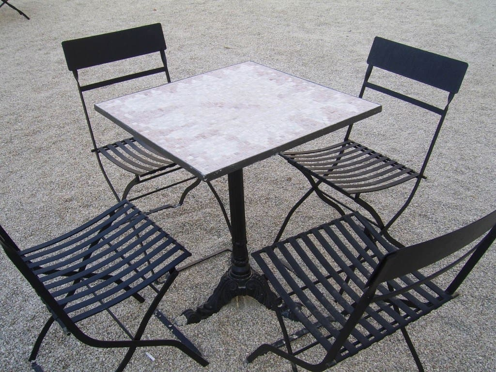 How to Buy the Right Patio Furniture - metal patio furniture