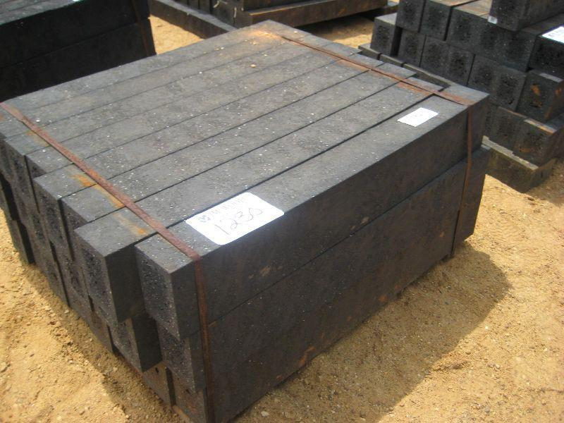 Plastic landscaping timbers